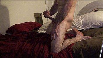 Две лесбиянки развлекают спутник друга оральными ласками