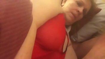 Приятель вылизал дырочку стройной девчоночки и раздвинул ее на минет