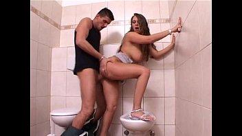 Любовник трахнул замужнюю толстушку в дырочку перед скрытой камерой в гостинице