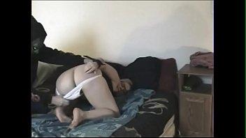 Юному молодчику будуло ублажать озабоченную мамка в душе комнатушке